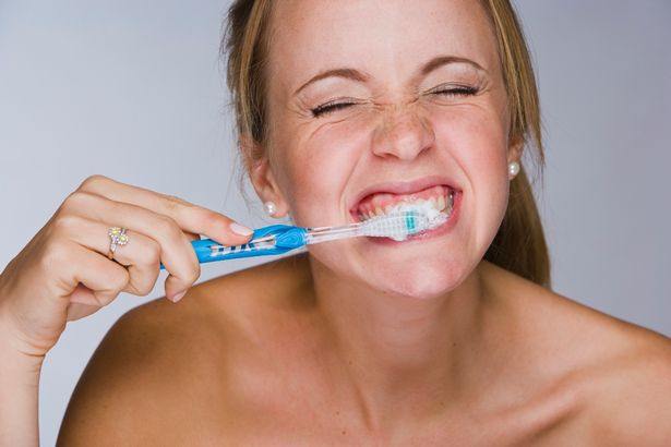 How to brush your teeth like a PRO